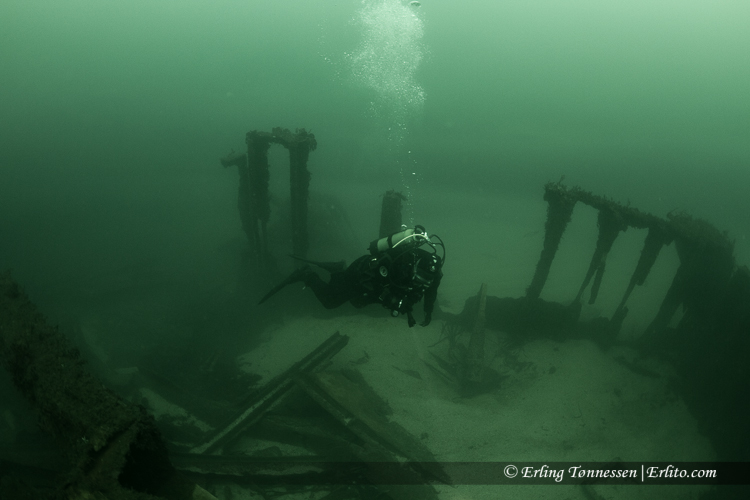 divers-128