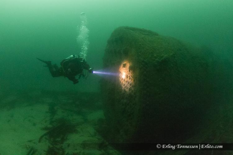 divers-243
