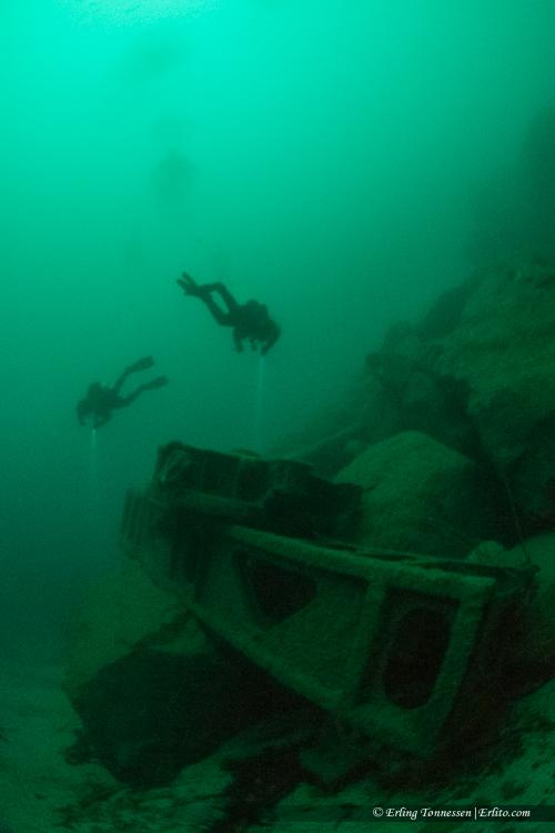 divers-252