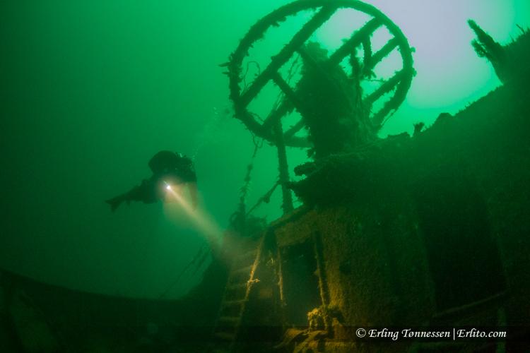 divers-272